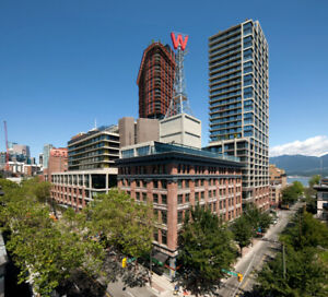 1 Bed/1 Bath Suite in Iconic Gastown (Downtown) Hi-Rise
