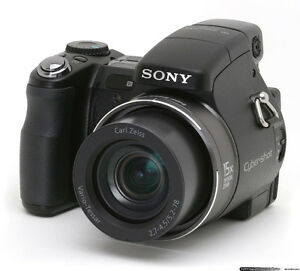 JUST LOWERED! Like new condition Sony DHC-H9 8.1MP Cybershot!