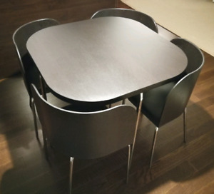 Compact Dining Table w. 4 Tuck in Chairs