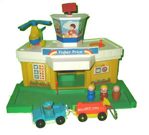 Fisher Price #2502 Little People Airport
