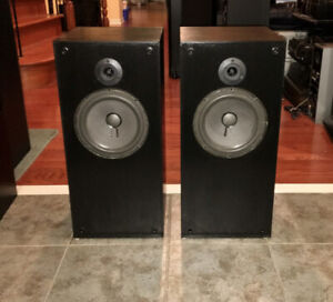 Well Reviewed Clements Mid-size speakers108 di