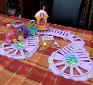 My Little Pony - Train de l'amitié - Piles - 18 mcx / 20$