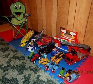 good lot (21 items) of toys