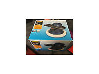 NEW & UNUSED HALFORDS 240v CAR POLISHER. BOXED