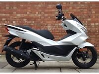 Honda PCX 125cc (66 REG), 1 Owner! Mint condition, ONLY 297 miles!