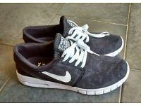 Brand New - Nike sb - Black White - Janoski Max sb - Size 10 UK