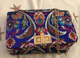 Cute Blue floral small handbag- QUIZ.