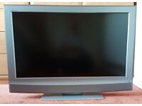 """Sony 32"""" LCD Digital Colour HD Ready TV and Glass Clear Stand"""