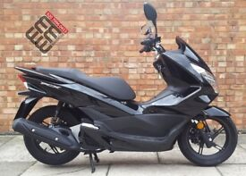 Honda PCX 125cc (66 REG), 1 Owner! Mint condition, ONLY 1100 miles!
