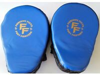 Furiousfistsuk Genuine Leather Focus Jabbing Pads Blue/Black color