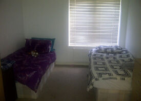 COMFORTABLE TWIN ROOM TO SHARE A BOY