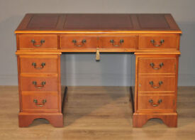 Attractive Vintage Mahogany Twin Pedestal Writing Office Desk Drawers, Leather