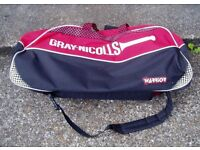 GRAY-NICOLLS CRICKET BAG, WARRIOR ,With gloves and leg protectors.