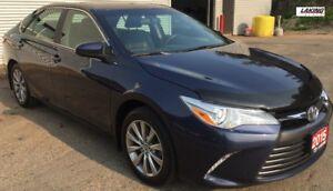 2015 Toyota Camry XLE NAVIGATION SUN/MOON ROOF HEATED SEATS Clea