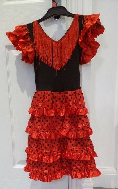 Spanish flamenco dress. Age 5-6. VGC. Collection only