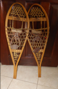 Ski Condo Decorator Snow Shoes