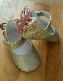 New monsoon baby shoe £6
