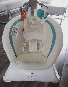 Chaise vibrante pour bébé Fisher Price