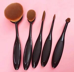 Brand new professional 5 piece oval brush makeup set.  Kitchener / Waterloo Kitchener Area image 1