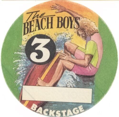 THE BEACH BOYS / BRIAN WILSON 1985 CONCERT TOUR BACKSTAGE PASS / NMT 2 MINT