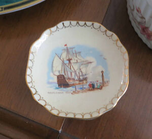 Small candy plate - Royal Winton china