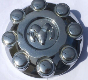 1 CENTER CAP CHROME ORIGINAL DODGE RAM 8 BOLT