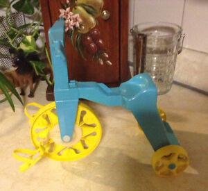 VINTAGE MATTEL TIPPEE TOES TRICYCLE 1967 COMME NEUF Gatineau Ottawa / Gatineau Area image 3