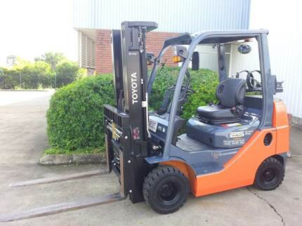FORKLIFT HIRE 1-5 TONE QUEENSLAND Tingalpa Brisbane South East Preview