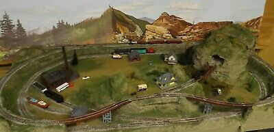 N SCALE  LAYOUT  TWO TRAIN OPERATION NICE! 24 x 48 lake safe shipping NICE!! for sale  Shipping to Canada