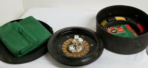 Vintage Traveling Casino Set Roulette Board Wheel Miniature Game Bakelite Chips