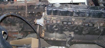 COMMODORE BLACK 3.3 ENGINES
