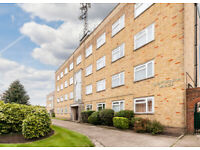 THREE DOUBLE BEDROOM FLAT WITH BALCONY TO RENT IN FINCHLEY CENTRAL