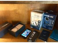 iPhone 5 16 GB (UNLOCKED) comes boxed with £100 worth of accessories ... BARGAIN PRICE ....