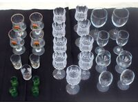 ASSORTMENT OF DRINKING GLASSES - includes some cut glass crystal wine glasses