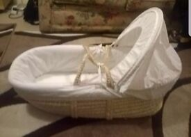 Kinder Valley White Waffle White Wicker Moses Basket New