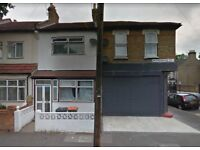 LOVELY 4 BED HOUSE ON GRANGEWOOD STREET E6 JUST OF KATHERINE ROAD **PART DSS ACCEPTED** £1800
