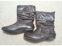 Size 5 River Island brown boots