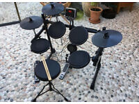 Alesis DM6 USB Electronic Drum Kit with Cymbals , Hi-Hat , Bass Pedal , Stool and 218 Sounds / Boxed