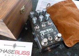 Effects Pedals: Chase Bliss Gravitas, OBNE Procession, Skreddy Rover, Neunaber Wet, Fulltone.
