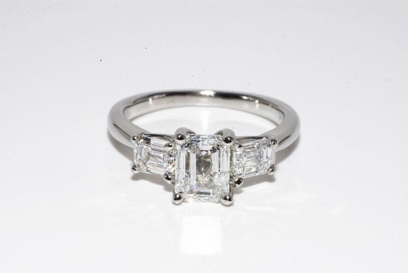 $12,500 1.72CT AUTHENTIC RITANI NATURAL EMERALD DIAMOND PLATINUM ENGAGEMENT RING
