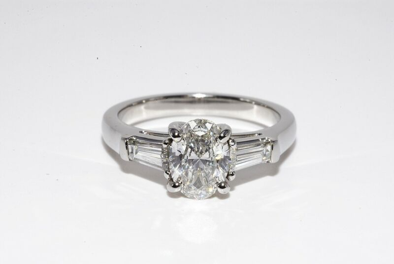 $9,500 1.35CT GIA CERTIFIED NATURAL OVAL CUT DIAMOND PLATINUM ENGAGEMENT RING