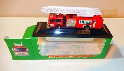 HESS - 1999 MINIATURE FIRE TRUCK - NEW - S1