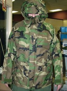 USGI-WOODLAND-CAMO-ECW-GORE-TEX-PARKA-JACKET-W-HOOD-WATERPROOF-VARIOUS-SIZES-NEW