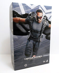 SIDESHOW HOT TOYS - FALCON WINTER SOLDIER AVENGERS