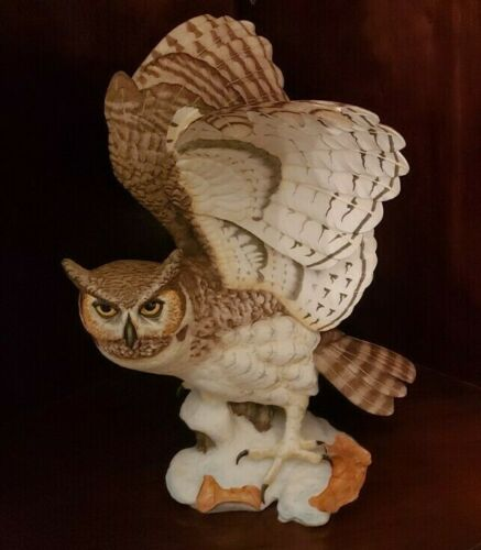 """FRANKLIN MINT PORCELAIN """"THE GREAT HORNED OWL"""" SCULPTURE BY GEORGE MCMONIGLE"""
