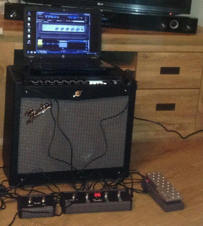 fender mustang iii v2 with 2 4 button foot switches expression pedal in huyton merseyside. Black Bedroom Furniture Sets. Home Design Ideas
