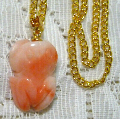 Cute Vintage Carved Salmon Pink Coral Frog Pendant w/ GT Chain Necklace  LL19