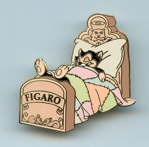 Disney Auctions Pinocchio Cat Figaro Sleeping in Bed LE Pin & Card