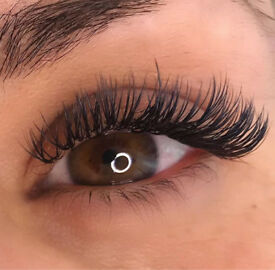 Individual Eyelash Extensions & LVL Lash Lift
