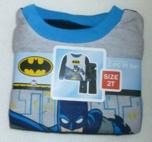New Boy 2T Batman Pajama Set  2 piece set Shirt Pants